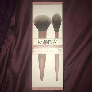 Moda Brush Set